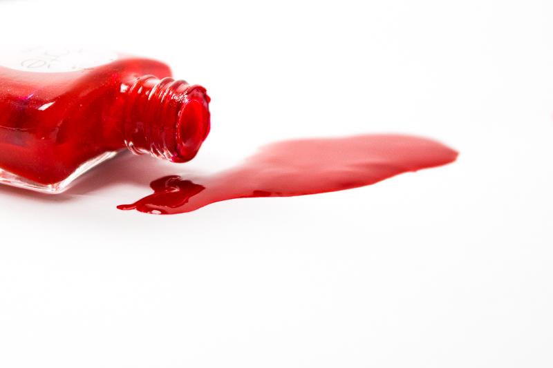 Ist Nagellack gesundheitsschädlich? Alle Informationen über 3-free, 5-free und 7-free Nagellacke und tolle Alternativen zu herkömmlichen Nagellacken. Klick dich zum Beitrag und informiere dich über deine Gesundheit!
