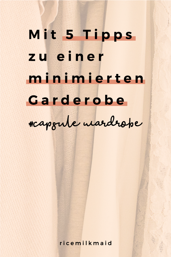 Wie erstellt man am besten eine minimalistische Garderobe? Lerne in diesem Beitrag das 5-Stufen-Prinzip kennen um deinen Kleiderschrank richtig und effektiv auszumisten. Weniger Kleidung = Weniger Stress. Das glaubst du nicht? Lies dir den Beitrag durch oder speichere ihn jetzt für später. #minimalismus #capsulewardrobe